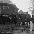 Duitse krijgsgevangenen worden afgevoerd, Bestanddeelnr 900-2389.jpg