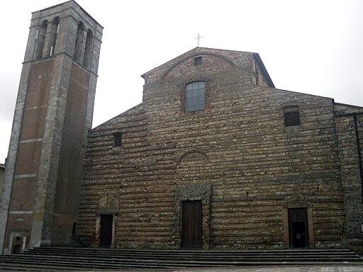 Cattedrale di Montepulciano, facciata
