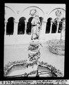 ETH-BIB-Carolus Magnus, Brunnen im Grossmünster (Zürich)-Dia 247-02118.tif