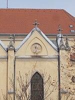 Egek Királynéja-templom, oromfal portré, bal 7, 2018 Újpest.jpg