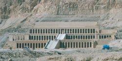 Egypt.HatshepsutsTemple.01.jpg