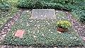 Ehrengrab Potsdamer Chaussee 75 (Niko) Kurt Ihlenfeld.jpg