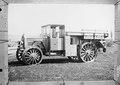 Ein Daimler Lastwagen mit Spezialrädern fürs Gelände - CH-BAR - 3241600.tif
