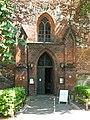 Eingang zur Kirche - panoramio (5).jpg