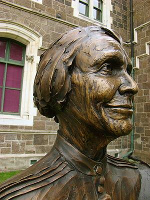 Elsie Locke - Bronze bust of Elsie Locke as part of the Twelve Local Heroes sculpture