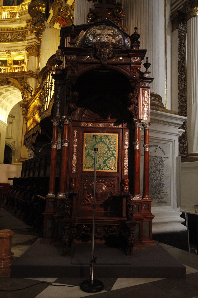 Episcopal throne - Cathedral of Granada (2).JPG