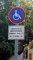 Estacionamiento reservado discapacitado.jpg