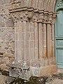 Faisceau de colonnettes de l'embrasure du portail ouest.jpg