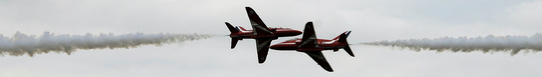 Farnborough banner Red Arrows.jpg