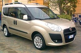 Fiat Doblò second generation 2010.jpg