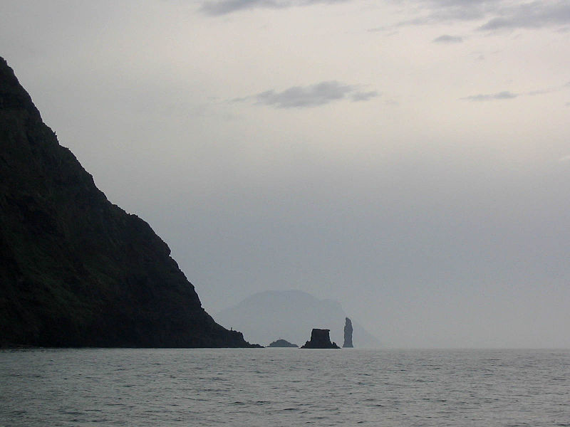 File:Filicudi from ENE, 'Scolgio della Fortuna' and 'Faraglione La Canna' rocks, Alicudi (Eolian Islands).jpg