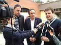 Flickr - Convergència Democràtica de Catalunya - Josep Rull i Gerard Figueras atenen elsm itjans al CN de la JNC a Manresa.jpg
