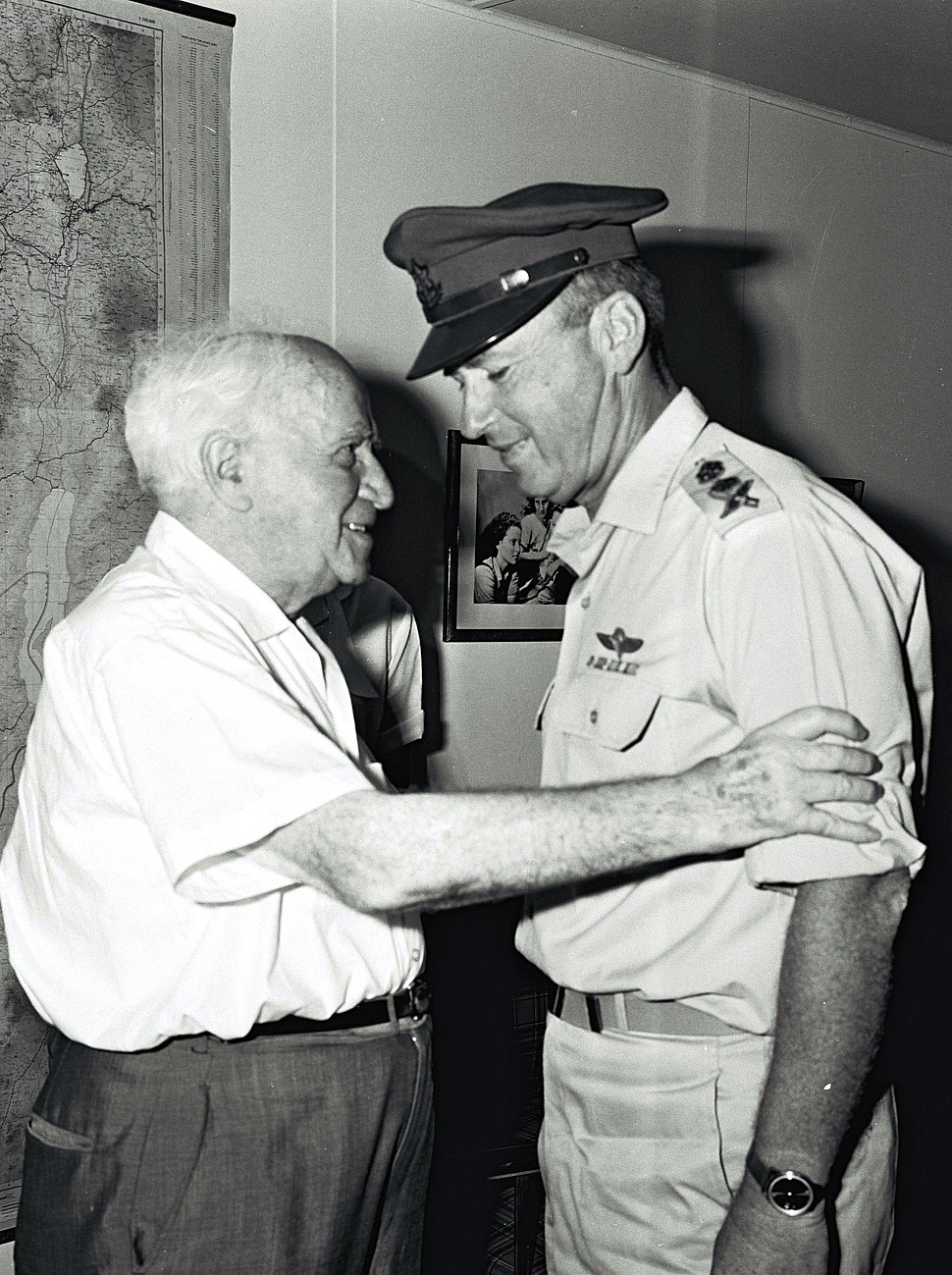 Flickr - Government Press Office (GPO) - MR. DAVID BEN GURION RECEIVING THE CHIEF OF STAFF YITZHAK RABIN WHO CAME TO CONGRATULATE HIM ON HIS 80TH BIRTHDAY