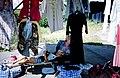 Fliegende Händlerinnen in Prawdinsk 1995.jpg