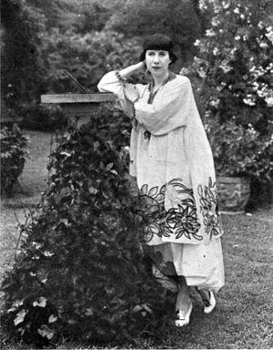 Florine Stettheimer - Florine Stettheimer, American artist, in her Bryant Park garden c.1917–1920. Image held in the collection of the Florine Stettheimer papers, Rare Book and Manuscript Library, Columbia University.