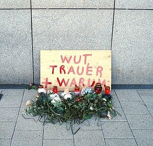 Flughafen FFM - Gedenken an Anschlag vom 02.03.2011.jpg
