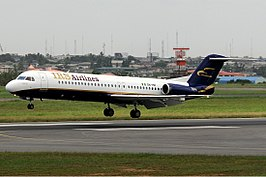 Fokker 100 IRS Airlines 5N-HIR Ikeja April 2009.jpg