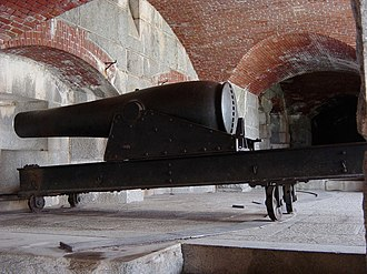 Seacoast defense in the United States - Civil War 10-inch Rodman cannon at Fort Knox (Maine)