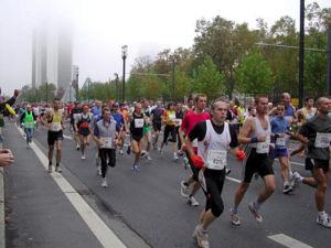Frankfurt Marathon - A moment from the first kilometer of the 2004 Frankfurt Marathon.