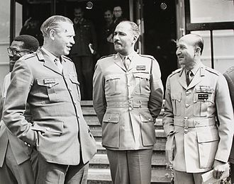 Richard Hull - Image: General Sir Richard Hull speaks to officers