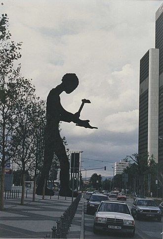 Hammering Man - Hammering Man in Frankfurt am Main.