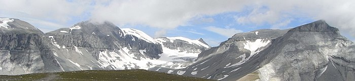 Glarus Thrust Fault at Piz Segnes.JPG