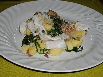 Vallée d'Aoste Lard d'Arnad - Potato gnocchi with rocket salad and Lard d'Arnad