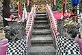 Goa Lawah Temple (16870376180).jpg