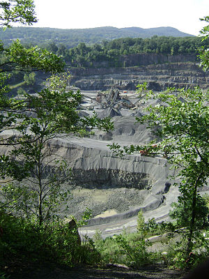 Goffle Hill - Modern quarry in Prospect Park