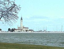 The Grosse Pointe Yacht Club
