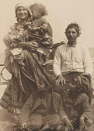 Romani people in Serbia - Roma family in Serbia, 1905