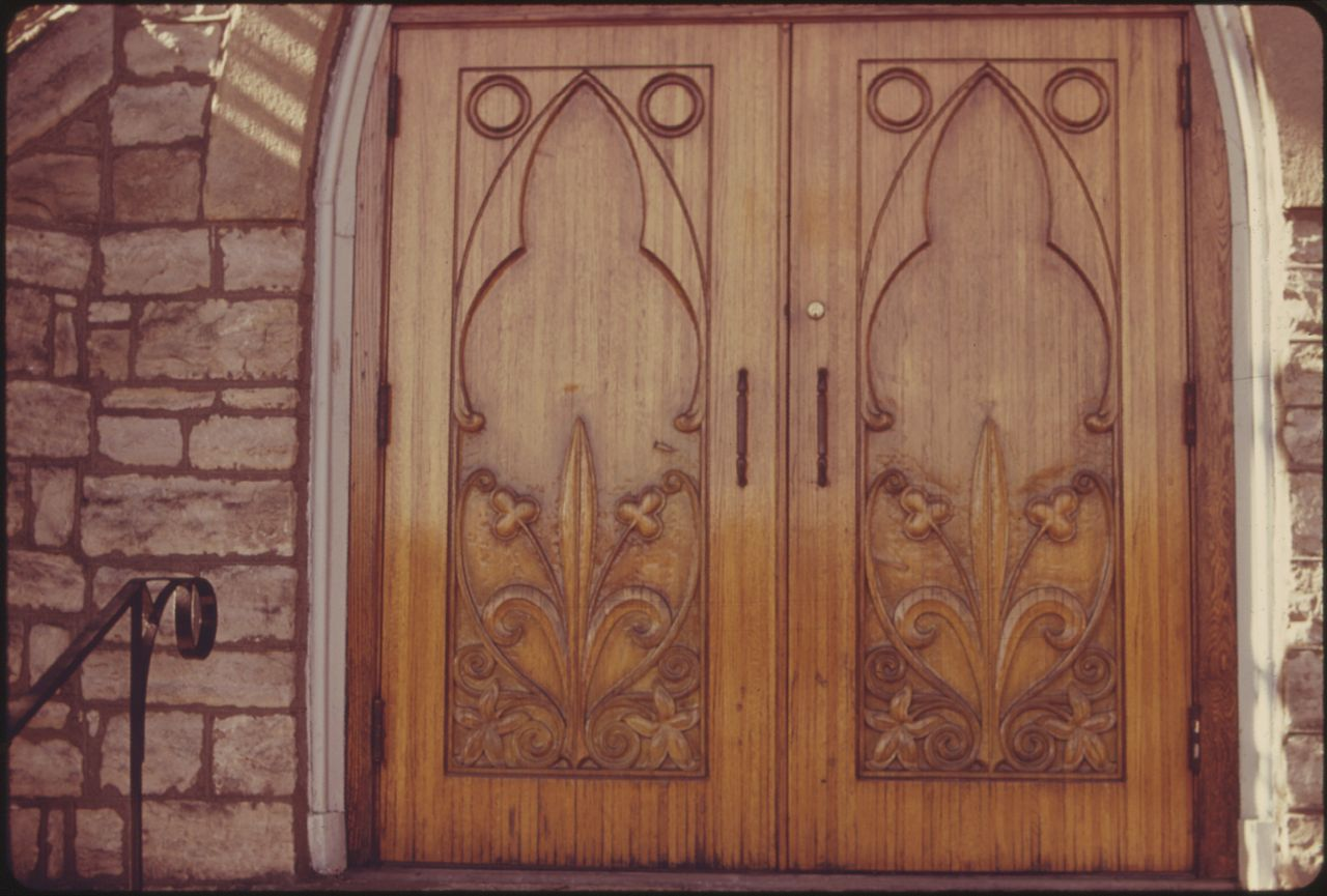 Decorating trinity doors pics : File:HAND CARVED FRONT DOORS OF TRINITY EPISCOPAL CHURCH IN ...