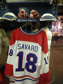 HHOF July 2010 Canadiens locker 10 (Savard).JPG