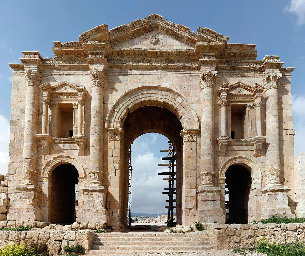 Arch of Hadrian (Jerash) - Wikipedia
