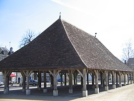 The covered marketplace, in Pleumartin