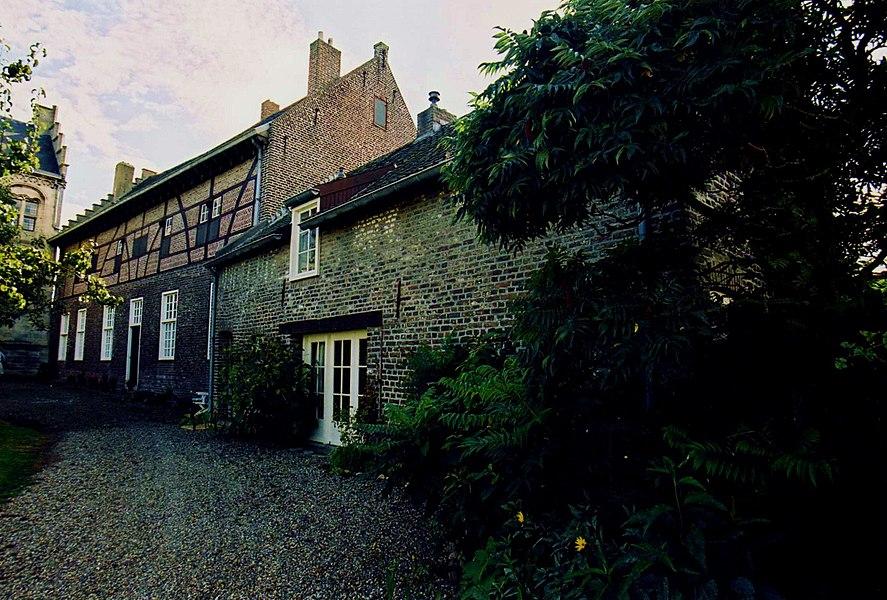Het vakwerkhuis bij kasteel Hasselholt te Ohé en Laak.