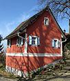 Haus vor der Kirche in Heuweiler.jpg