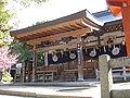Hiraoka-jinja haiden2.jpg