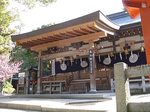 Hiraoka-jinja haiden2