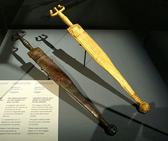 Hochdorf Chieftain's Grave - Image: Hochdorf dagger with gold foil