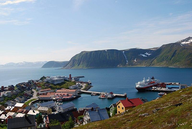 File:Honningsvåg 2013 06 09 3496 (10319294583).jpg