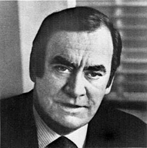 Hugh Carey - Image: Hugh Carey 1977 NFTA Report