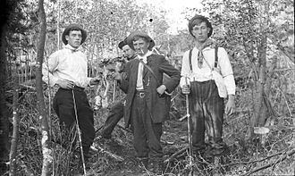 History of Alberta - Hunting party, 1916