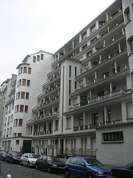 Immeuble Et Piscine Des Amiraux Wikipedia