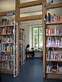 Innenraum Stadtbibliothek Baden-Baden.JPG