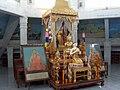 Inside Wat Phol Phao - panoramio (7).jpg