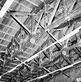 Interieur hangar, detail kapconstructie - Leeuwarden - 20336252 - RCE.jpg
