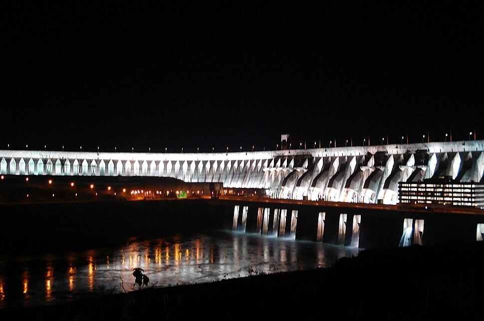 Itaipu noche