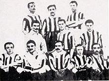 Die Meistermannschaft des Juventus F.C. im Jahr 1905