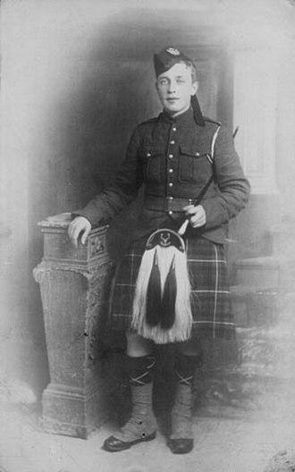 James Cleland Richardson - Piper James C. Richardson, VC, circa. 1914-15